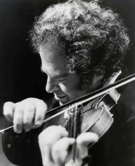 Itzkah Perlman performed at Portland's Arlene Schnitzer Concert Hall January 19. Photo: Akira Kinoshita