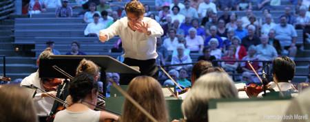 Teddy Abrams leads the Britt Festival Orchestra.