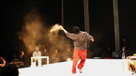 "Radhouane El Meddeb's ""Je danse et je vous en donne à bouffer""/Photo by Carollina Lucchesini"