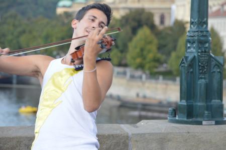 fiddler next to bridge ornament