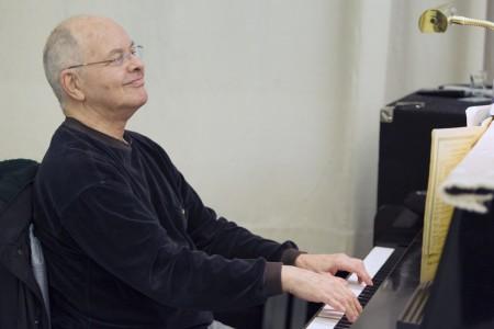 Huffman at the keyboard, where he made everyone feel at home. Photo: Blaine Truitt Covert/2012