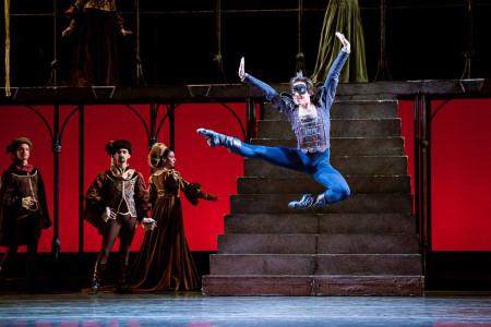 "Michael Linsmeier as Mrecutio in James Canfield's ""Romeo and Juliet."" Photo: Jingzi Zhao"
