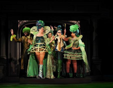 Emerald City residents (Cedric Lamar, Jennie Greenbery, Taylor Simone Jackson, Jonathan Luke Stevens, Michele Mais) flash a little fashion sense. Photo: Kim Budd, Oregon Shakespeare Festival
