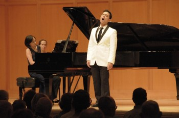 Pianist Pei-Yao Wang and Nicholas Phan perform Britten's songs in a CMNW concert at Reed College.