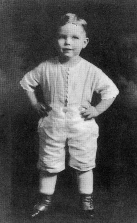 """""""Buster"""" Harrison, ready to steal the show in a 1920 Portland production of """"Daddy Long Legs."""""""