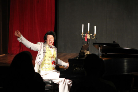 Saffert as Liberace. Photo: Randi Wigginton