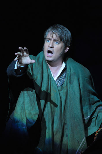 Polenzani in Offenbach's Les Contes d'Hoffmann, Lyric Opera of Chicago Photo © Dan Rest.
