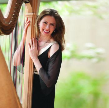 Yolanda Kondonassis performs with the Oregon Symphony. Photo: Rober tMuller.