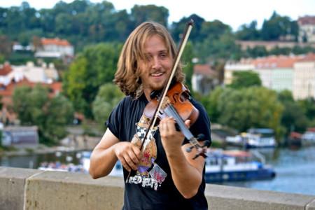 fiddler on bridge