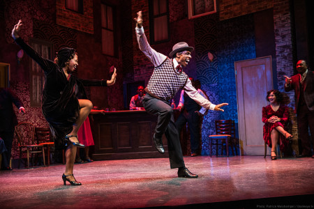 Mia Michelle McClain and André Ward, flying' high at Center Stage. Photo: Patrick Weishampel/blankeye.tv.
