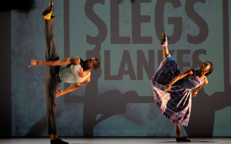 Tamisha Guy and Vinson Fraley Jr. in Kyle Abraham's 'The Gettin'/Courtesy of White Bird, © Jerry and Lois PhotographyAll rights reservedhttp://www.jerryandlois.com