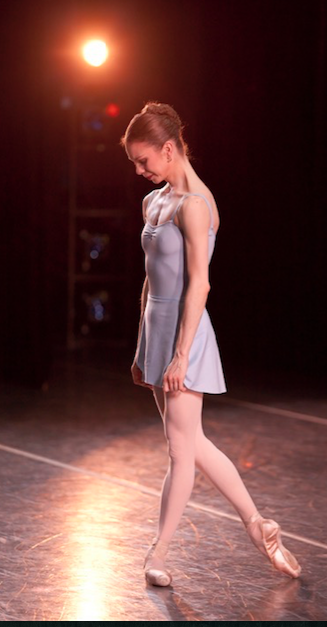Gavin Larsen bowing at her final performance for Oregon Ballet Theatre, May 2010. Photo: Blaine Truitt Covert