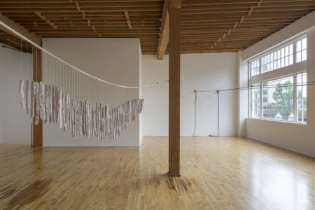 A puzzling light and moving - installation view
