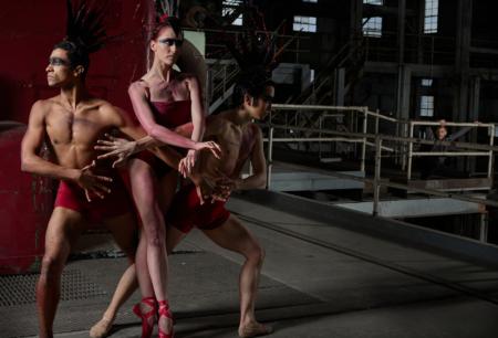 Three dancers become a single Firebird. Photo courtesy of Eugene Ballet.