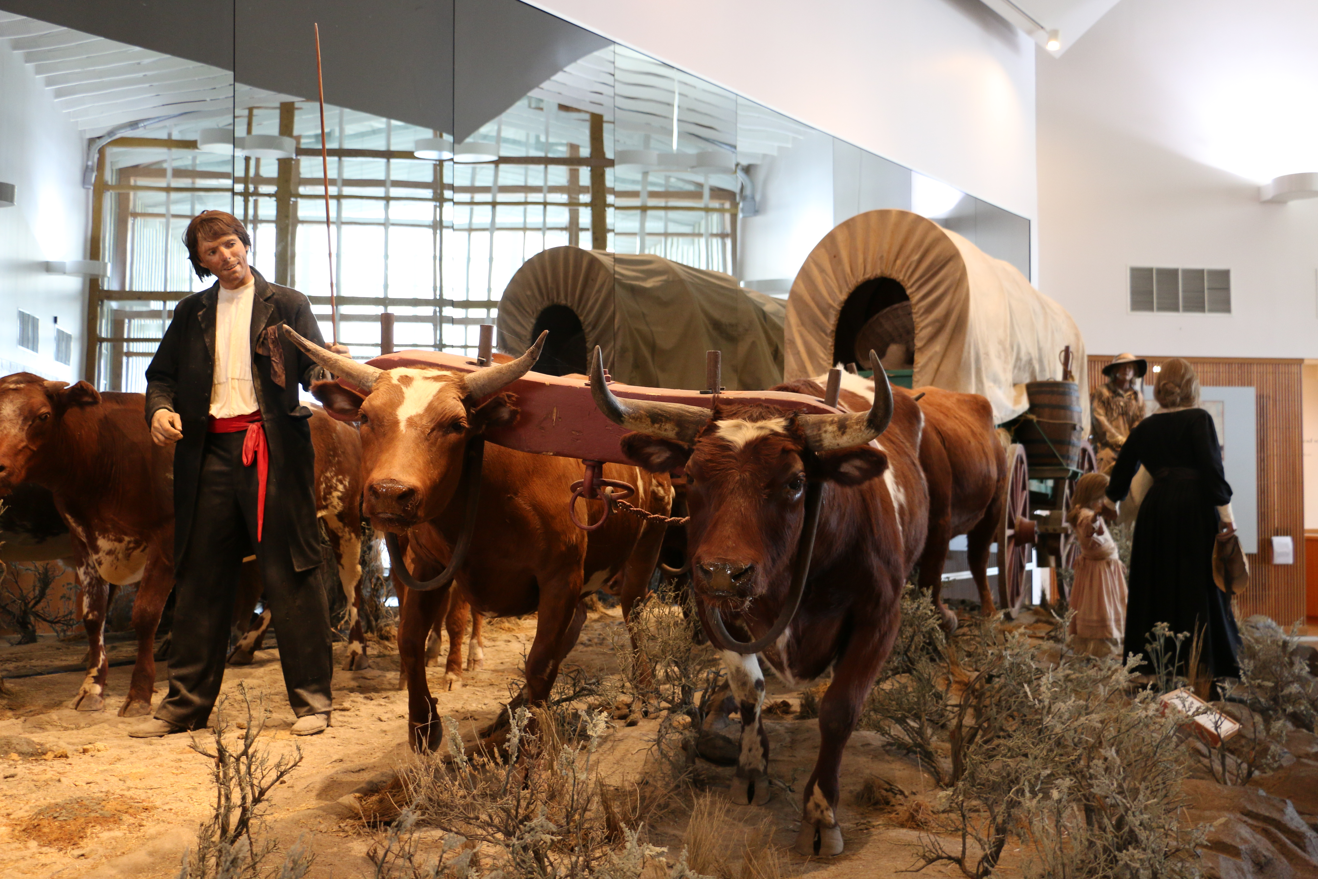 Displays in the National Historic Oregon Trail Interpretive Center tell the story of the pioneers who crossed the country to settle in Oregon. Photo: Wikipedia Commons